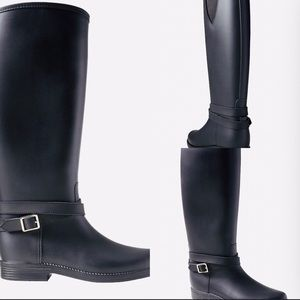 Banana Republic Shoes - Buckle strap rainboots
